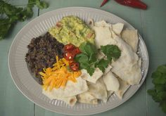 Tortilhas Quebradas com Chilli, Guacamole e Cheddar!