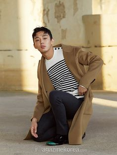 Go here for Yoo Ah In's first batch of spreads from Esquire Korea's December issue. Credit as tagged