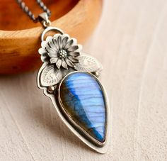 Detailed Labradorite Necklace.