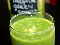 Not Quite a Vegan...?: Day 3: 21 Day Detox  Tropical Delight Green Smoothie