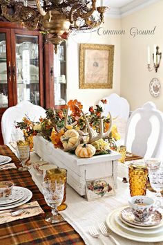 Common Ground: Nature Inspired Thanksgiving Tablescape