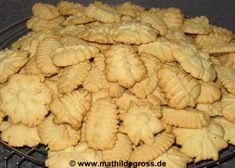Spritzgebäck (Gebäckpresse) Cookie Recipes, Snack Recipes, Biscuits, Crazy Cakes, Pampered Chef, I Foods, Almond, Recipies, Clean Eating