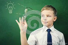 Творческий и умный школьник имеет идею на классн классном