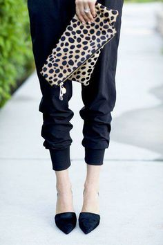 animal print accessories. also loving these pants!