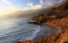 Dramatic landscapes and crashing waves at Big Sur, California
