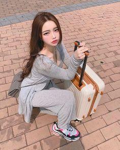 Uzzlang Girl, Nyc Girl, Mode Ulzzang, Korean Boys Ulzzang, Cute Braces, Chinese Clothing Traditional, Korean Makeup Look, Little Girl Models, Pretty Korean Girls