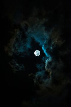 May 2020 - Midnight in the shadows of the soul. See more ideas about Blue moon, Shoot the moon and Moon. Moon Beauty, Luna Moon, Shoot The Moon, Moon Pictures, Moon Magic, Beautiful Moon, Foto Art, Nocturne, Stars And Moon