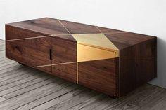 Madia in legno e ottone - Bronzo, rame e ottone, tendenza arredamento 2016: modello basso con ante