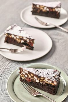 Wedding Online - DIY + Craft - Nadiya Hussain's Rocky Road could make a seriously sweet addition to your wedding reception Cake Recipes Uk, Sweet Recipes, Baking Recipes, Dessert Recipes, Dessert Food, Yummy Treats, Delicious Desserts, Sweet Treats, Yummy Food