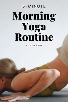 morning yoga routine to calm your mind, focus, and improve your metal acuity in this diffic Yoga Fitness, Fitness Workouts, At Home Workouts, Fitness Plan, Butt Workout, Yoga Bewegungen, Yoga Moves, Yoga Meditation, 5 Minute Yoga