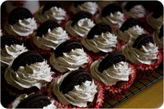 Chocolate Oreo Cupcakes with Oreo Swiss Meringue Buttercream via Cupcake Crazy Gem!