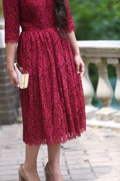 Shop now for Modern Modest Vintage Apparel. Tons of Adorable Dresses, Bridesmaid Dresses, Tops, Skirts, Swimwear. We also have MODEST Fashionable Apostolic Swimwear! Skirt Outfits Modest, Modest Bridesmaid Dresses, Modest Skirts, Curvy Outfits, Plus Size Outfits, Modest Wedding, Trendy Dresses, Elegant Dresses, Vintage Dresses