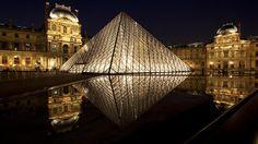 O museu do Louvre em Paris, França.