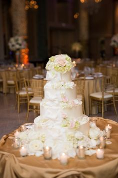 Four Tier Round Wedding Cake With Flowers | photography by http://www.melissahayes.net/