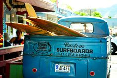 VW Transporter and surf boards Hang Ten, Vans Surf, Vw Vans, Kombi Pick Up, Beach House Style, Vw Caravan, Vw Camping, Custom Surfboards, Vintage Surfboards