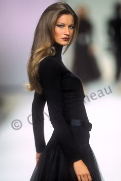career as a fashion photographer. High Fashion Hair, 90s Fashion, Fashion Models, Gisele Bundchen, Gisele Hair, Image Mode, French Women Style, Brazilian Women, Mannequins