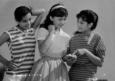 Ashikawa Izumi (芦川いづみ, in center) 1935-, Japanese Actress, 藤竜也(夫)