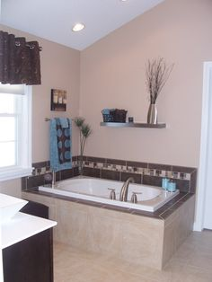 bathroom decor. Dark brown and light brown