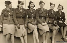 "meredithvieiralives:  ""Seventy years ago, a group of American women journalists made history when they covered the greatest story of their generation. They called them the D-Day Dames."" (via BBC News)"