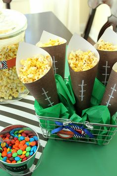 If you're looking for an easy, but fun idea for . If you're looking for an easy, but fun idea for your Super Bowl party, a popcorn bar may be just the thing. I've shown you this idea before, but this time I added a football spin on it … Super Bowl Party, Football Treats, Football Food, Football Tailgate, Football Baby, Alabama Football, American Football, College Football, Popcorn Bar