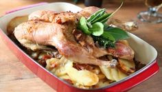 Roast Gressingham duck breast, braised red cabbage and champ with thyme sauce Duck Recipes, Roast Recipes, Salad Recipes, Christmas Lunch, Christmas Recipes, Christmas Dinners, Holiday Meals, Christmas Christmas, Simple Christmas