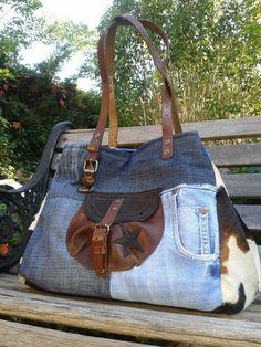 Denim Handbags, Tote Handbags, Recycle Old Clothes, Jean Purses, Diy Sac, Diy Bags Purses, Denim Purse, Boho Bags, Fabric Bags