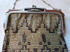 Art Deco Designer Metal Whiting & Davis Mesh Hand Bag Purse Chain Mal Mail Over Arm Wristlet Vintage Cool Shoulder Bag Metal Metal Mesh, Metal Chain, Vintage Metal, Vintage Items, Rubber Doll, Have Metal, Side Bags, Peek A Boos, Vintage Brooches