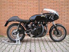 Egli-Vincent by Slater Vintage Art, Vintage Photos, Vincent Motorcycle, Best Motorbike, Vintage Motorcycles, Transportation Design, Worlds Of Fun, Cool Bikes, Mountain Biking