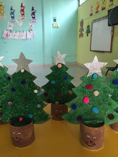 Check out some of the most awesome Christmas crafts for kids that theyll absolutely love making over the festive season holiday Super Fun and Creative Christmas Crafts Kids Will Love to Make Christmas Tree Crafts, Preschool Christmas, Snowman Crafts, Christmas Activities, Kids Christmas, Holiday Crafts, Christmas Crafts For Kids To Make At School, Christmas Decorations Diy For Kids, Childrens Christmas Crafts