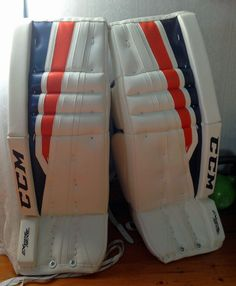 Welcome to the Chameleon Sports store! You'll find lots of info, news, pics and more about our PadSkinz, PalmSkinz, GripSkinz and PantSkinz products. Goalie Pads, Blue Weave, Chameleon, Glove, Color Change, Weaving, Stripes, Orange, Sports