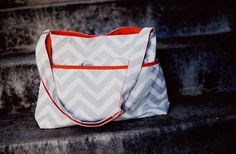 GroopDealz | Classic Chevron Crossbody Bag - BLOW OUT