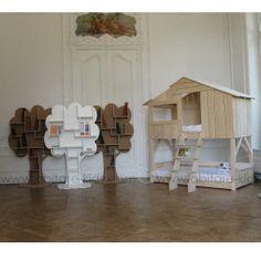 ARBRE BIBLIOTHEQUE by Mathy by Bols Bibliothèque en MDF laqué blanc. Originale et contemporaine, les bibliothèques arbre deviennent un réel élément décoratif dans la chambre de votre enfant.
