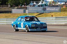 #Ford #Escort #1600 #RS sur la piste de #Dijon_Prenois au #GPAO Article original : http://newsdanciennes.com/2015/06/07/news-danciennes-au-grand-prix-de-lage-dor/ #Racecar #VintageCar #ClassicCar
