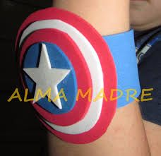 Resultado de imagen para hacer pulseras de goma eva Superman Birthday Party, Boy Birthday, Superhero Classroom, Captain American, Summer Fun For Kids, Baymax, Avengers, Diy, Wonder Woman