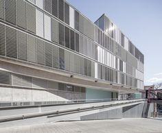 Multifamily Building,© Adrià Goula