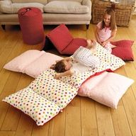 """Sew 5 pillowcases together and fill with pillows. Great alternative to disappointing (too thin) sleeping bags. So cute for sleepover parties! I would've loved these as a kid. =] ***How about the body pillows for bigger """"kids""""? Sewing Crafts, Sewing Projects, Diy Projects, Bed In A Bag, Diy Décoration, Easy Diy, Sleepover, Slumber Parties, Pillow Cases"""