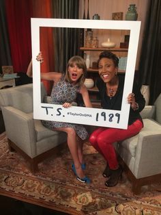 Taylor is BACK on Good Morning America TOMORROW morning and she's performing brand new songs from You won't want to miss it. Taylor Swift Party, Taylor Swift Birthday, Taylor Swift 22, Taylor Swift Posters, Taylor Swift Fan Club, Taylor Swift Concert, Taylor Swift Style, Taylor Swift Pictures, 22nd Birthday