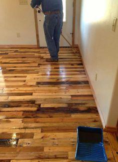 Mueblesdepalets.net: Instrucciones para pavimentar el suelo de tu casa con tablas de palets