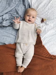 Ideas Baby Boy Photography Toddler in 2020 Cute Kids, Cute Babies, Baby Kids, Baby Set, Knitting For Kids, Baby Knitting Patterns, Baby Boy Knitting, Baby Outfits, Baby Boy Fashion