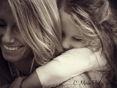 a great mother daughter picture idea (: