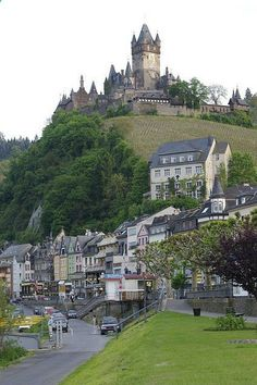 Castle overlooking Cochem in the Moselle Valley, Germany | sublimevacation.comsublimevacation.com