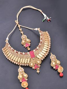 Heavy Necklace Set with Antique Gold Finish