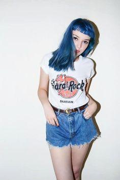 Cute retro vibe summer look ovo hair color fashion, grunge fashion , Grunge Outfits, Grunge Fashion, 90s Fashion, Fashion Beauty, Alternative Mode, Alternative Fashion, Glam Rock, Mode Punk, Estilo Rock
