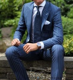 Navy Blue Peaked Lapel suit with white stripes Navy Pinstripe Suit, Navy Blue Suit, Custom Tailored Suits, Suit And Tie, Pocket Square, Mens Style Guide, Style Men, Men's Style, Harvey Specter
