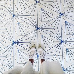 Splashes of white and blue  Repost: @ihaveathingwithfloors by woodenshipsbypb