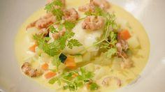 Een overheerlijke pladijs met witte wijnsaus, saffraan en fijne groenten, die maak je met dit recept. Smakelijk!