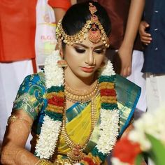 Com Contact 98409172 Tikka - maallure Kerala Bride, South Indian Bride, Indian Bridal, Tikka Jewelry, Bridal Jewelry, Indian Jewellery Design, Indian Jewelry, Sneha Reddy, Saree Wedding