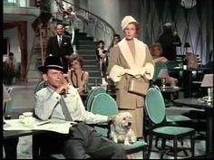 おはようございます。 今日2/13はキム・ノヴァクの誕生日。 今朝の一曲はマイ・ファニー・ヴァレンタイン特集の第二弾、そのキム・ノヴァクがマイ・ファニー・ヴァレンタインを歌う、映画「夜の豹(Pal Joy)」からのワンシーンです。フランク・シナトラと協演しています。ただし、彼女の歌はトゥルーディ・アーウィンによる吹き替えだそうです。吹き替えだけれど雰囲気は出していますね(^_^) 私にとって、キム・ノヴァクが印象的だったのは、ヒッチコックの名作「めまい」ですが、その映画はその1年前の作品のようです。