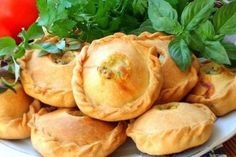Chicken breast in dough Ingredients: Butter (for the sauce) - 50 g Maso butter (for the dough) - 75 g Flour (for the sauce) - 1 tbsp. Baking Recipes, Snack Recipes, Easy Recipes, Batter Recipe, Dough Ingredients, Chicken Tenderloins, Mini Pies, Dough Recipe, Yummy Snacks