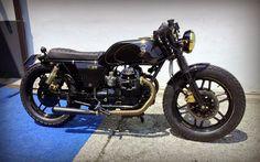 Anche un vecchia moto stanca a malridotta nasconde qualcosa di prezioso , ci vuole solo tempo e...
